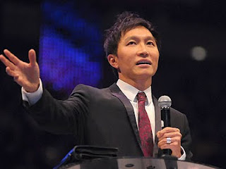 pastor kong hee god apologized